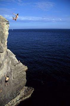 Jumping off Acapulco Ledge, Swanage, Dorset Places Around The World, Around The Worlds, Dorset Coast, Unusual Buildings, Jurassic Coast, Living On The Edge, Explore Travel, Extreme Sports, Go Outside