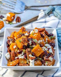 Honey Roasted Butternut Squash Recipe Honey Roasted Butternut Squash Recipe Lidi schneobeo Foooooooood Honey Roasted Butternut Squash Recipe Butternut Squash Recipe Topped with Feta nbsp hellip Cheese Recipes Vegetable Recipes, Vegetarian Recipes, Cooking Recipes, Healthy Recipes, Honey Recipes, Recipes With Feta, Salad Recipes, Coffe Recipes, Feta Cheese Recipes