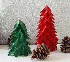 Aren't you looking for fun DIY plastic spoon craft projects? In this article, we will show you some DIY projects about plastic spoons. Plastic spoons are more than just utensils. With a few plastic spoons, Unique Christmas Trees, 25 Days Of Christmas, Christmas Tree Decorations, Christmas Crafts, Christmas Ornaments, Craft Decorations, Xmas Trees, Christmas Fashion, Christmas Movies