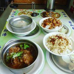 魯肉飯、蛤ぐりスープ美味しかった #台湾 #台湾 #高雄 #台湾料理 #屋台 #魯肉飯