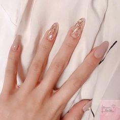 Chic Nails, Classy Nails, Stylish Nails, Best Acrylic Nails, Almond Acrylic Nails, Long Almond Nails, Almond Nail Art, Summer Acrylic Nails, Milky Nails
