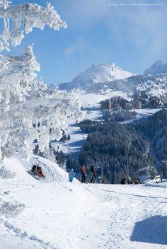 Skiers approaching Avoriaz from Morzine, Portes du Soleil, French Alps. #morzine #avoriaz