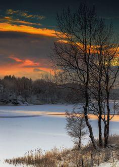 Traveling Toward the Dawn | enantiodromija: by Lars Hellebø