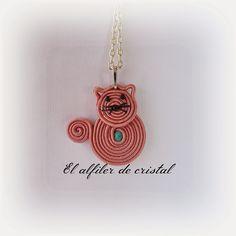 El alfiler de cristal Shibori, Soutache Earrings, Cat Crafts, Beaded Embroidery, Butterfly, Pendants, Beads, Mini, Eve