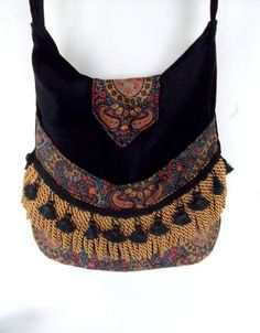 23 Unique Hippie Bags to Add Your Collection - Boho Gypsy, Gypsy Bag, Style Hippie Chic, Hippy Chic, Hippie Bags, Boho Bags, Ear Cuffs, Ethnic Bag, Women's Handbags
