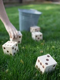 Cool 30+ Unusual Diy Backyard Games Easy Outdoor Fun. More at http://www.trendecora.com/2018/06/27/30-unusual-diy-backyard-games-easy-outdoor-fun/