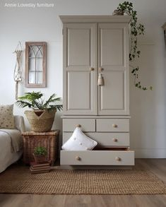 Beautiful wardrobe by using Salt of the Earth from Frenchic's 'The Lazy Range'❤️ furniture Frenchic Salt of the Earth Wardrobe Furniture, Paint Furniture, Furniture Makeover, Bedroom Furniture, Painted Nursery Furniture, Home Bedroom, Bedroom Decor, Bedrooms, Pine Wardrobe