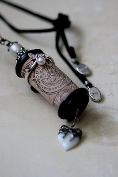 Keepsake Ring on the Cork? - Cork Bella Vintage - Black Edwardian- This would be great to do with the cork from a wedding bottle of wine or even your fav. Wine Cork Jewelry, Wine Cork Art, Wine Cork Crafts, Wine Corks, Wine Bottles, Bottle Candles, Vintage Wine, Vintage Jewelry, Handmade Jewelry