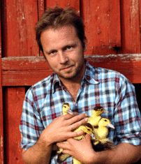 Andreas Viestad.  Real men cook.  And cuddle ducklings.