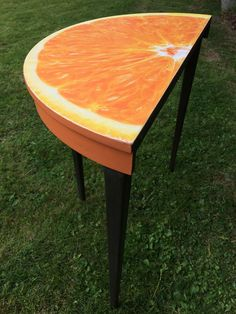 How cool is this table kindly shared by Louise McLellan of LouKen Creative - very cool! Graphite and Barcelona Orange Annie Sloan Paint from the wonderful Dovetails. Half orange decoupage on top with lightly distressed edge and flat varnished to maintain the look.'
