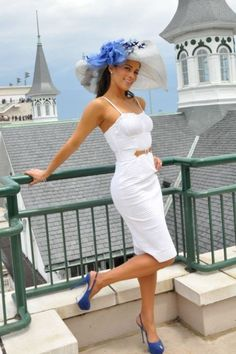 Electric Blue | Keep the Glamour | BeStayBeautiful, to where a Beautiful Linen dress and gorgeous hat at the Kentucky Derby, and take my icture right here!