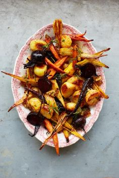 Gorgeous roast vegetables Jamie Oliver to go with Duck & marsala gravy. Vegetable Recipes, Vegetarian Recipes, Cooking Recipes, Healthy Recipes, Savoury Recipes, Free Recipes, Healthy Food, Hp Sauce, Potato Nutrition