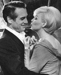 Paul Newman Joanne Woodward Her Sweater And Head Wrap