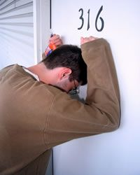 Chicago Locksmiths - A Local Chicago Locksmith Company Providing Home Lock Out (House Lockout) Services including apartment lock out, office lock out, and commercial lock out services entire Chicago Area What Is Narcissism, Narcissistic Supply, Mobile Locksmith, Emergency Locksmith, Locksmith Services, Emergency Call, Chicago Area, To Loose, Being A Landlord
