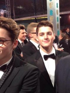 One more picture of Jack and Finn on the BAFTAs! Hopefully we'll have professional pictures soon. Finn Harries, Jack Finn, Sam Pottorff, British Youtubers, Carter Reynolds, Taylor Caniff, Danisnotonfire And Amazingphil, Cute Twins, Emo Guys