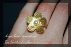 Flower Pearl Ring Sterling Silver 925 Gold plated Lakasa eShop Handmade Jewelry Woman Moda Fashion Anniversary Best ideas gifts Mother Mommy #handmade #flower #ring #jewelry #joyas #mujer #woman #moda #silver #jewellery #gift #birthday #anniversary #floraldesign