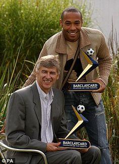 Henry i Wnger z nagrodami dla najlepszego zawodnika i menedżera miesiąca
