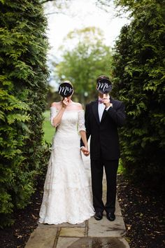 Adorable wedding portrait idea with the Mr. and Mrs. signs! Photo by Clay Austin Photography via june.bg/1zbQl88