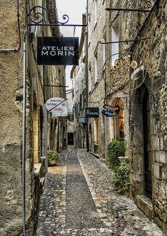 Calle en Saint-Paul-de-Vence, Francia