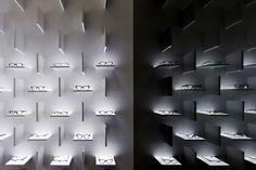 Bolon Eyewear de pfarré lighting design | Diseño de tiendas