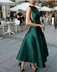 Fashion high couture gowns 42 Ideas for 2019 Little Dresses, Pretty Dresses, Beautiful Dresses, Emerald Dresses, Emerald Green Formal Dress, Emerald Green Outfit, Emerald Green Cocktail Dress, Emerald Gown, Floral Dresses