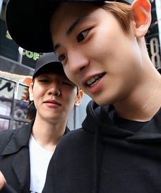 Chanbaek Fanart, Exo Chanbaek, Exo Ot12, Park Chanyeol Exo, Sehun, Exo Couple, Cute Gay Couples, Exo Memes, Fine Men