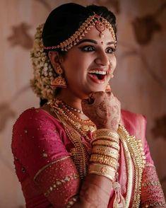 Image may contain: 1 person Kerala Wedding Saree, Kerala Bride, Indian Bridal Sarees, Hindu Bride, Indian Bridal Fashion, South Indian Bride, Saree Wedding, Bridal Hairstyle Indian Wedding, Indian Wedding Makeup