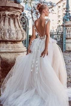 TOP 1 Vestido de Noiva com Decote nas Costas | Miriams Bride