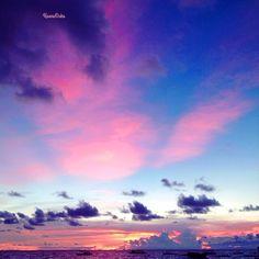 Magic island Borakay. Philippines.  I Adore a similar condition of tranquility: whether rising whether decline...   Cloud of air-kisses to my friends...  Delightful mood Волшебный остров Боракай. Филиппины. Обожаю подобное состояние умиротворенности: то ли восход то ли закат...   Облако воздушных поцелуев моим друзьям...  Восхитительное настроeние ... #Московская_весна @hortus_ru #TheArtOfPlating #philippines…