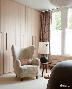 Cobalt Blue Kitchens, Blue Kitchens, Slow Design, House Design, Home, Ash Dining Tables, Armchair Vintage, Wegner Chair, Neutral Walls