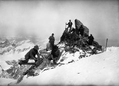 Building the Capanna Margherita (Margherita Hut) on Punta Gnifetti, Monte Rosa, Italy, 1889 High Building, New Mods, Sea Level, France, Vignettes, Old Photos, Mount Everest, The Past, Europe