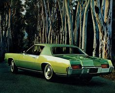 Specs, photos, engines and other data about OLDSMOBILE Toronado 1971 - 1978 Retro Cars, Vintage Cars, Cool Car Pictures, Car Pics, Old American Cars, Oldsmobile Toronado, Counting Cars, Pontiac Cars, Car Advertising