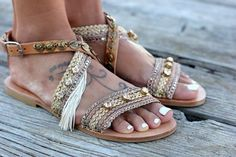 Gorgeous Bohemian Beach Sandals, Handmade Vegan Leather straps wrapped in Gold and pink pastel metallic trims, white-gold fringes and bronze plated coins are a Must have. Women's Shoes, Boho Shoes, Shoes Style, Dance Shoes, Brown Sandals, Leather Sandals, Bronze, Metal Buckles, Flip Flop Sandals