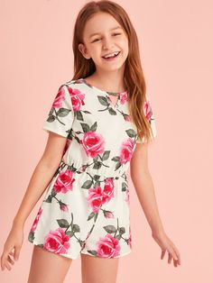 Girls Floral Keyhole Front Zip Back Romper Summer Outfit For Teen Girls, Preteen Girls Fashion, Teenage Girl Outfits, Girls Fashion Clothes, Kids Outfits Girls, Cute Girl Outfits, Teen Fashion Outfits, Cute Summer Outfits, Cute Outfits For Kids