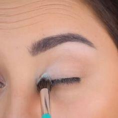 #KoreanBeautyTips Eye Makeup Tips, Eyebrow Makeup, Skin Makeup, Makeup Ideas, Makeup Goals, Makeup Brush, Full Makeup, Airbrush Makeup, Makeup Geek