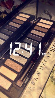 Pinterest: @ElizaFerraz ⬅ Makeup Is Life, Makeup Goals, Small Bff Tattoos, Eye Makeup Images, Photos Tumblr, Photo Makeup, Tumblr Photography, Tips Belleza, Makeup Palette