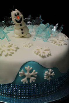 Kakkuviikarin vispailuja!: Frozen-kakku