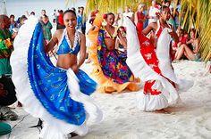 Mauricio, Trou aux Biches, bailarines de Sega