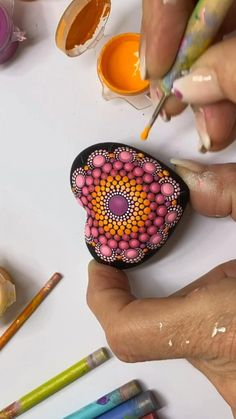 Mandala Canvas, Mandala Artwork, Mandala Painting, Mandala Drawing, Dot Painting Tools, Dot Art Painting, Painting Tips, Stone Painting, Mandala Painted Rocks