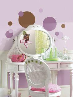 Flieder Wandfarbe, Weiß Lackierter Schminktisch Und Kreisemuster  Wandgestaltung, Kinderzimmer, Badezimmer, Schlafzimmer,