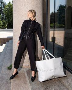 #parismensfashionweek @parisfashionweek | @jaimetoutcheztoi 📸 @thestyleograph __ #streetstyle #streetfashion #fashion #fashionweek… Linda Tol, Mens Fashion Week, Jumpsuit, Street Style, How To Wear, Instagram, Overalls, Urban Style, Jumpsuits