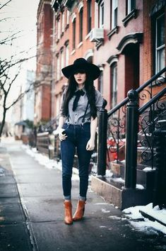 Bohemian Style Idea: Cuffed skinny jeans, leather ankle boots, suspenders, wide brimmed hat