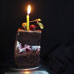 bulutağacı: Karaorman Pasta / Vişne ve Çikolatalı Doğumgünü Pastası Birthday Candles, Bakery, Tart, Sweet, Food, Notes, Studio, Candy, Report Cards