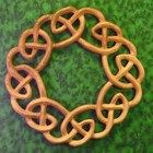 Celtic Wreath of Heaven Knot-Welcome, Warmth, Family Relationship