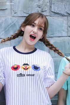 ioi and somi image Kpop Girl Groups, Korean Girl Groups, Kpop Girls, Jeon Somi, Ulzzang Girl, South Korean Girls, Girl Crushes, Cute Girls, My Girl