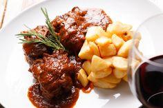 El restaurante Embruix está ubicado en el Centro Histórico de Jávea/Xàbia, donde se puede disfrutar unas tapas o un desayuno, almorzar o cenar... Un lugar donde lo tradicional y lo nuevo se combinan en un ambiente especial. #Jávea #Xàbia #ARX #CostaBlanca www.arxabia.org www.embruix.es