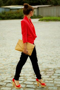 red blazer/shoes + black skinnies + nude clutch
