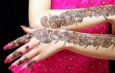 Offering the best services of henna in Western Massachusetts, Emily showcases her 100% talent to make all your events enduring. For more details please visit at http://hennabyemb.com/.