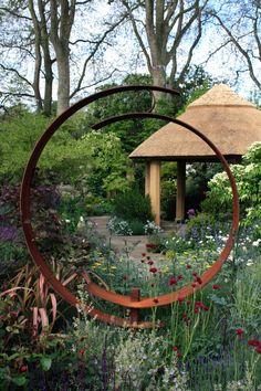 Chelsea The M&G Centenary Garden 'Windows Through Time' – The Frustrated Gardener Garden Yard Ideas, Garden Projects, Garden Art, Tropical Garden Design, Garden Landscape Design, Garden Arches, Garden Windows, Outdoor Sculpture, Garden Sculpture