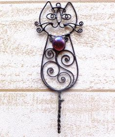 Cute !!! Wire Jewelry Making, Handmade Wire Jewelry, Wire Wrapped Jewelry, Cat Crafts, Wire Crafts, Metal Crafts, Wire Wall Art, Crafty Fox, Beaded Animals